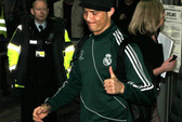 Ronaldo vẫn được CĐV M.U chào đón nồng hậu