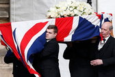 Nữ hoàng Elizabeth II dẫn đầu tang lễ bà Thatcher