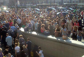 Ùn ùn sơ tán vì cháy ga tàu điện ngầm ở Moscow