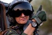 Gặp nữ phi công chiến đấu đầu tiên