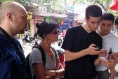 Hà Nội: Bị đe dọa ở phố cổ, khách Pháp được bồi thường 10 triệu