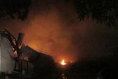 Kho đồ điện 1.000m2 thuộc Bộ Công Thương cháy suốt đêm