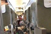 """Máy bay VNA """"rơi tự do"""" 122 m"""