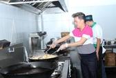 Đàm Vĩnh Hưng gây bất ngờ vì tài nấu nướng