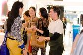 Mr Đàm hào hứng shopping tại Hà Nội