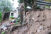 Hà Nội: Sạt lở ven sông Đuống đe dọa nhiều hộ dân