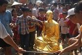"""Hà Nội: Sư trụ trì đưa tượng giống mình vào chùa """"hô thần nhập tượng"""""""