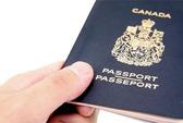 Người Việt Nam vào Canada phải lăn tay và chụp hình kỹ thuật số