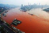 Sông Trường Giang bỗng dưng đỏ như máu