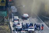 Nhật Bản: Sập đường hầm, vùi hàng loạt xe hơi