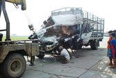 Tông xe container, tài xế xe tải tử nạn