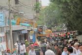 TPHCM: Nổ lớn làm sập 3 căn nhà, 10 người chết