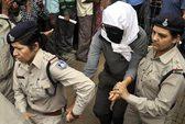 Nữ du khách bị cưỡng bức trước mặt chồng ở Ấn Độ