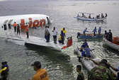 Máy bay gãy đôi dưới biển, 108 người sống sót