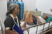 Lật xe chở du khách Việt tại Lào, ít nhất 3 người chết