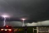 Lốc xoáy lại tàn phá Oklahoma, 5 người chết