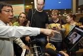 Snowden biến mất ở Nga, xin tị nạn ở Ecuador