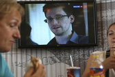 """Hồng Kông """"né"""" giao nộp Snowden như thế nào?"""