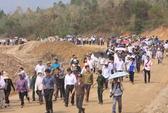 Người dân chung tay dọn đường ra Vũng Chùa