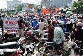 Dân xuống đường phản đối khai thác cát