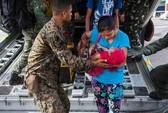 Vừa đến Philippines, tàu sân bay Mỹ nhanh chóng cứu hộ
