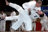 Hàn Quốc tặng ông Putin đai Taekwondo cửu đẳng