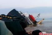 Chìm 2 tàu Trung Quốc, 2 người chết, 24 người mất tích