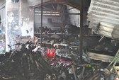 Cháy tiệm tạp hóa, 4 người chết