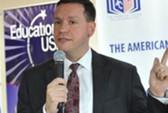 """Vụ """"bán"""" visa Mỹ ở TP HCM: Sestak nhận tội"""