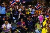 """Thái Lan: """"Áo đỏ"""" rục rịch bảo vệ bà Yingluck"""