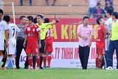 Vòng 5 Eximbank V-League: Trọng tài vẫn được bênh vực