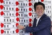 Thủ tướng Shinzo Abe thắng to, lo nhiều