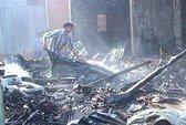 Cháy lớn thiêu rụi 10 căn nhà tại huyện Hồng Ngự, Đồng Tháp