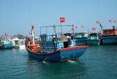 Khen thưởng ngư dân bám biển Hoàng Sa, Trường Sa