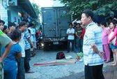 Xe tải lao vô hẻm cán chết bé gái 2 tuổi