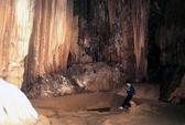 Hai hang động đẹp trên vịnh Bái Tử Long