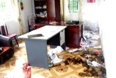Hàng trăm người đập phá trụ sở, đánh chủ tịch xã