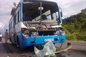 Xe bus tông xe tải mất lái, 9 người bị thương