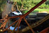 Xe tải nhầm đường, sập cầu Suối Núc