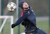 Rooney và Jones đau, fan Man United sốt