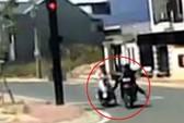 Truy bắt hai tên cướp do camera ô tô ghi hình được