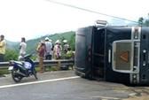 Tông nhau trên đèo Lò Xo, tài xế container tử nạn