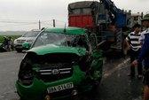 Taxi tông trực diện xe tải, 4 người trọng thương
