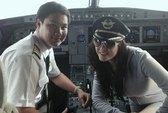 Lý Nhã Kỳ vào buồng lái, phi công bị phạt