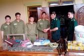 Bắt một người Lào thu 75 bánh heroin