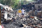 Cháy trong đêm, dân đau lòng nhìn 6 nhà ra tro