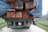 Né công an, container đâm cổng làng, tài xế chết tại chỗ