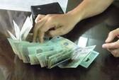 Bắt quả tang cán bộ sở nhận hối lộ