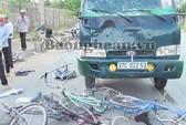 Bị xe tải tông, 6 học sinh thương vong