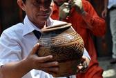 Hàng trăm cổ vật được vớt lên từ tàu cổ